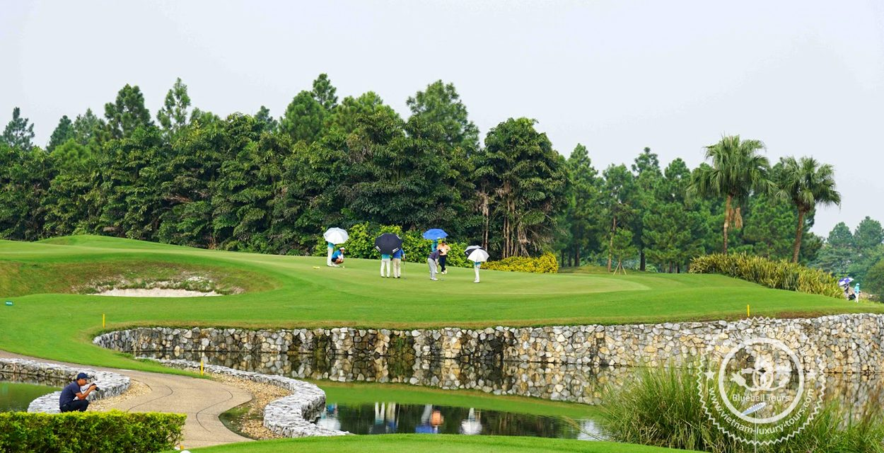 http://vietnam-luxury-tours.com/wp-content/uploads/2020/03/golf-in-hanoi-02-1250x640.jpg