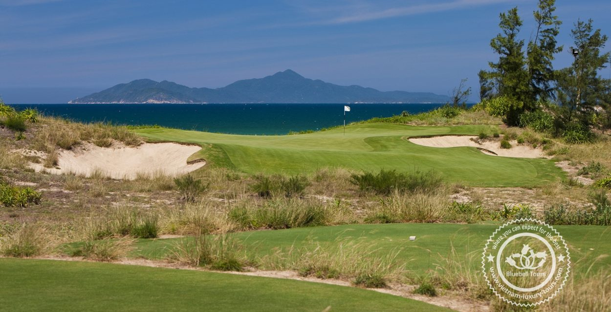 http://vietnam-luxury-tours.com/wp-content/uploads/2020/10/da-nang-golf-tours-07-1250x640.jpg